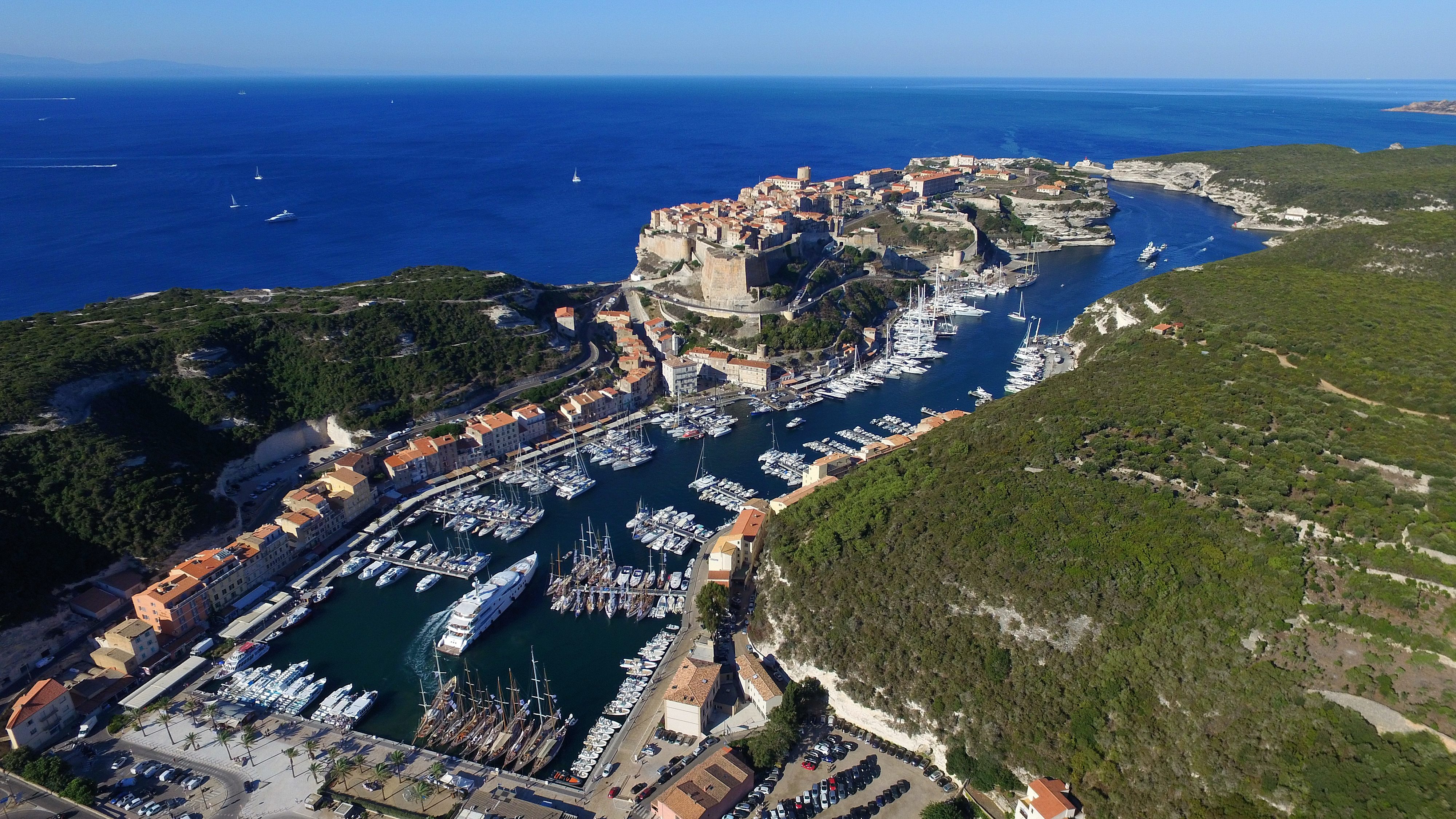 Port de bonifacio life style magazine - Place de port disponible mediterranee ...
