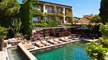 """<span class=""""entry-title-primary"""">Hôtel des Lices</span> <span class=""""entry-subtitle"""">Saint-Tropez</span>"""
