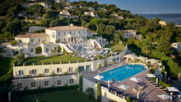 """<span class=""""entry-title-primary"""">VILLA BELROSE</span> <span class=""""entry-subtitle"""">Un séjour magique</span>"""